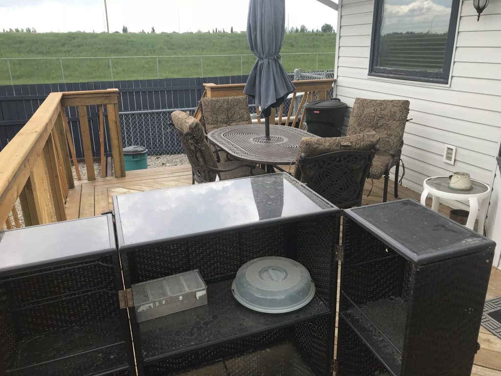 Outside bar and entertaining area